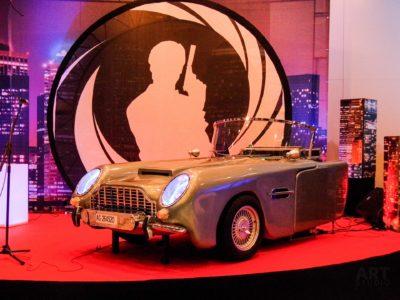 James Bond dekoracje sceniczne